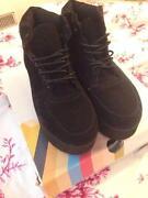 Flatform Boots