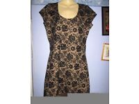 BLACK & GOLD LACE EFFECT DRESS SIZE 14 FROM PEACOCKS GREAT FOR A NIGHT OUT OR PARTY