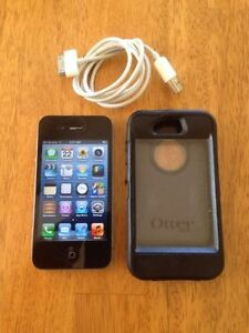 Jailbroken Iphone 4 (comes with otter case)