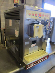 MILK SHAKE MACHINE TAYLOR 490-33 20QT (BURGER KING)
