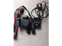 Canon 60D body, 2 batteries & charger