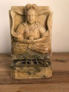A LARGE AND HEAVY ANTIQUE CHINESE SOAPSTONE BODHISATTVA 19 C