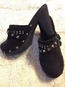 Womens Black Clogs