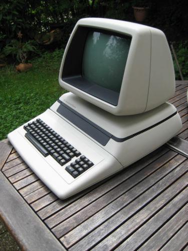 commodore cbm computer klassiker ebay. Black Bedroom Furniture Sets. Home Design Ideas
