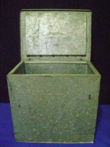 vintage insulated milk box ebay. Black Bedroom Furniture Sets. Home Design Ideas