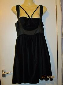 BEAUTIFUL BLACK VELVET PARTY DRESS SIZE 12 BNWT LIMITED EDITION new without tag