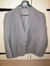 "MEN'S JACKET/BLAZER GREY SOUTH COAST CLOTHING 44"" HARDLY WORN"