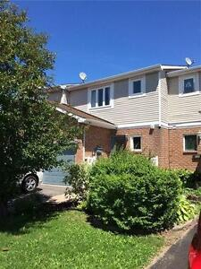 Beautiful 3-bedroom townhouse Orleans - Available immediately