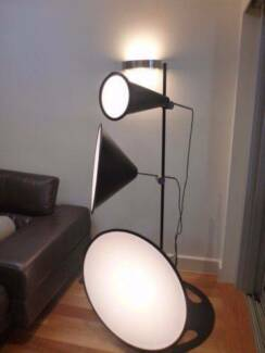 Abstract Scandinavian Feature Light
