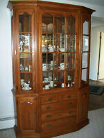 SOLID OAK CHINA CABINET/ DISPLAY CABINET..