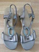 Ladies Sandals Size 4/5
