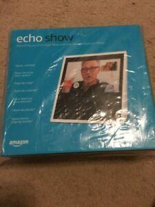Echo Show Alexa Enabled Bluetooth Speaker 7 Screen -White - $75.00