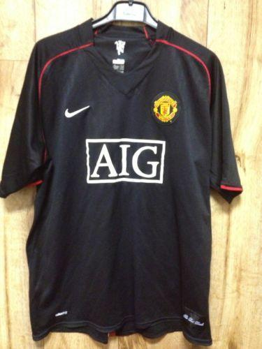 Man UTD Retro Shirt  2c4e72fbc