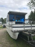 House Boat For Sale -- Excellent Condition