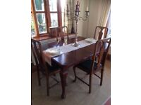 Victorian mahogany extending wind-out dining table and 4 matching chairs