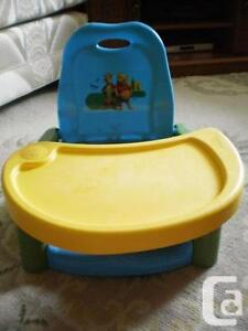 WINNIE THE POOH FEEDING BOOSTER SEAT Kitchener / Waterloo Kitchener Area image 1