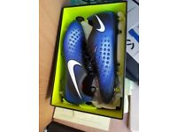 Nike Magista anti clog football boots