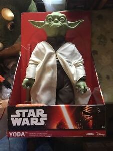 New 3 X StarWars Master Yoda figures for sell