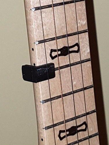 Banjo 5th string capo