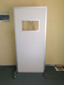 X RAY MOBILE SCREEN UNIT IN EXCELLENT CONDITION