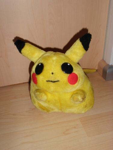pikachu kuscheltier spielzeug ebay. Black Bedroom Furniture Sets. Home Design Ideas