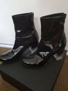 Wittner Ethan black patent boots - size 8