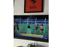 "Sony Bravia 32"" full HD flat screen TV with remote and wall bracket"