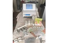 CACI QUANTUM WHITE COLOUR SCREEN EXCELLENT CONDITION COMPLETE WITH PRODUCTS