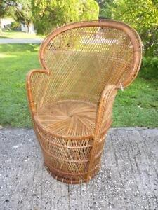 Awesome Peacock Wicker Chair