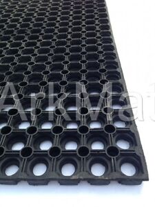 2-x-GATEWAY-GRASS-MAT-playground-golf-course-mats-horse-Rubber-Matting