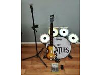 The Beatles Rockband + Rockband 3. Xbox 360 - Paul McCartney's Höfner Bass + Drums + Mic (2 games!)