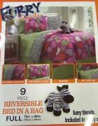 Victoria Classics Comforter