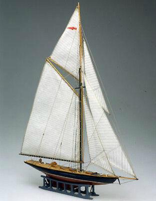 "Beautiful, Mini Wooden Model Ship Kit by Mamoli: the ""Britannia"" segunda mano  Embacar hacia Argentina"