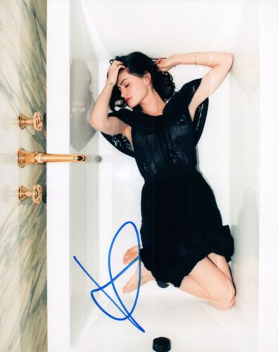 Phoebe Tonkin Signed Autographed 8x10 Photo Vampire Diaries The 100 COA VD