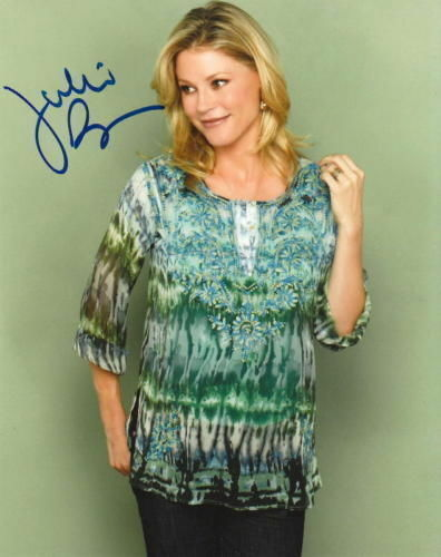 JULIE BOWEN.. Modern Family - SIGNED