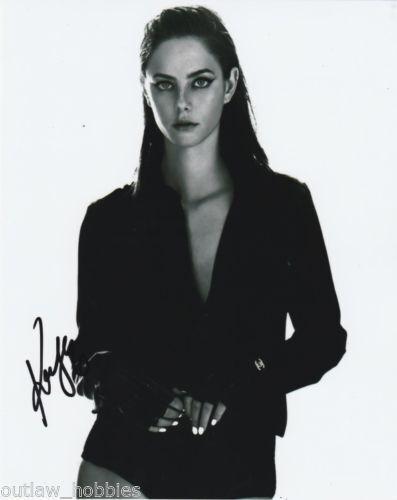 Kaya Scodelario Maze Runner Autographed Signed 8x10 Photo COA