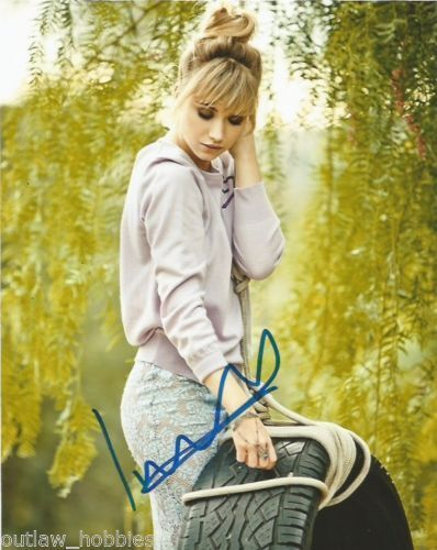 Imogen Poots Sexy Autographed Signed 8x10 Photo COA #18