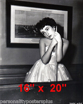 "Elizabeth Taylor~Pool~Pool Hall~Billiards~Cute~Poster~16"" x 20"" Photo"