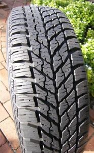 1 GOODYEAR ULTRA GRIP 225 65 17  WINTER TIRE PNEU HIVER 60.00$