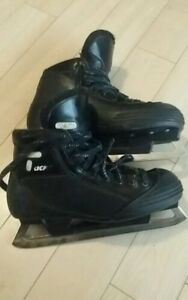 CCM Tacks 452 Goalie Skates size 10 patins gardien de but