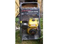 5.5hp, 2200psi 4stroke pressure washer, 4x spray nozzles, 8m hose