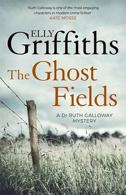The Ghost Fields: The Dr Ruth Galloway Mysteries 7, Griffiths, Elly, Used Excell