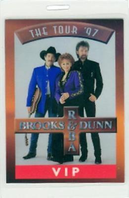 REBA McENTIRE TOUR / BROOKS & DUNN 1997 TOUR LAMINATED VIP BACKSTAGE PASS No. 2