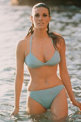 Raquel Welch photo wet hair green bikini in water 11x17 Mini Poster