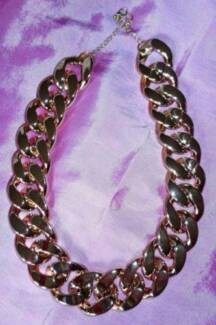 Gorgeous womens chunky necklace as new worn once! Glenning Valley Wyong Area Preview