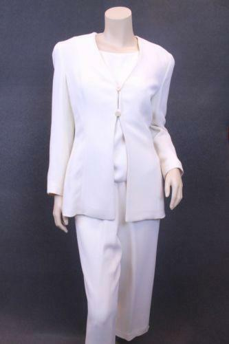 b185337909b2 Winter White Suit