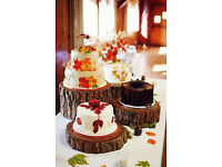 wooden log slices - rustic wedding table decorations cake base