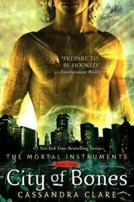 City of Bones (The Mortal Instruments, Book 1) - Paperback - GOOD