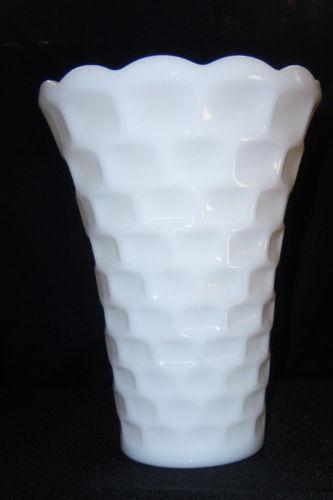 large milk glass vase ebay. Black Bedroom Furniture Sets. Home Design Ideas