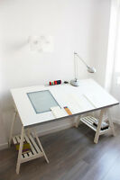 Drafting Table / Drawing table - Table à dessin